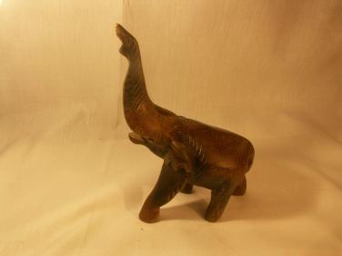 Dřevěná hračka slon