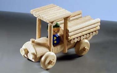 Dřevěná hračka nákladní auto