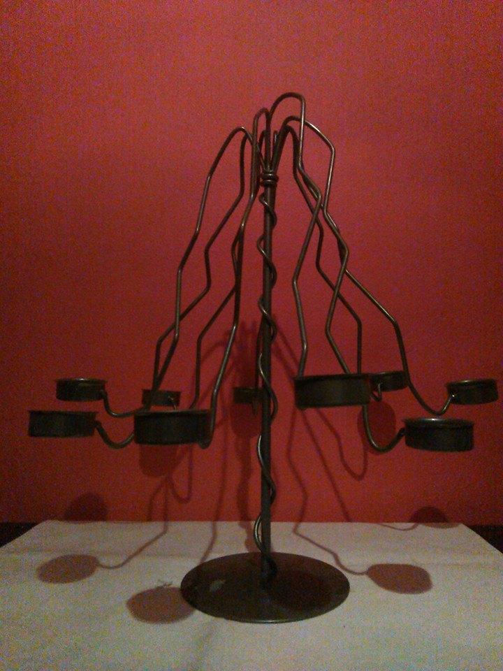 Kovový svícen Strom