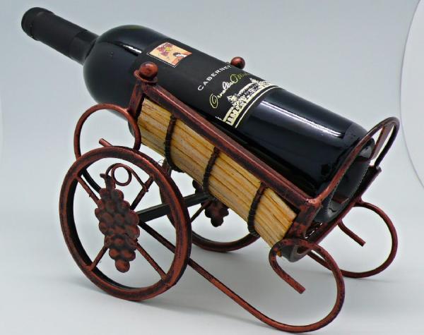 Kovový stojan na víno Vozík s hroznem