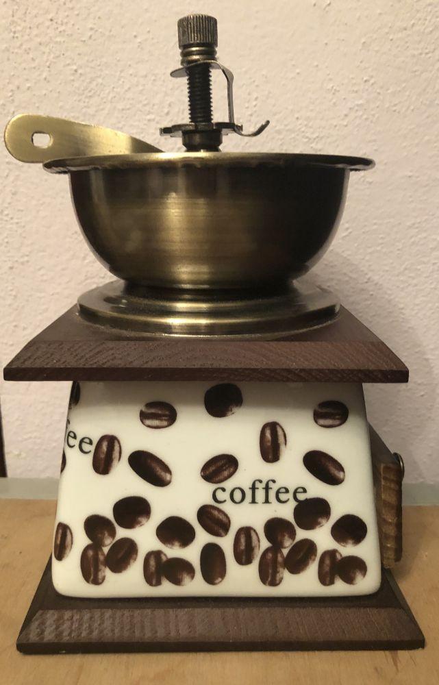 Dřevěný mlýnek na kávu Cafe - vadné zboží