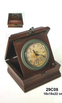 Dřevěná šperkovnice s hodinami
