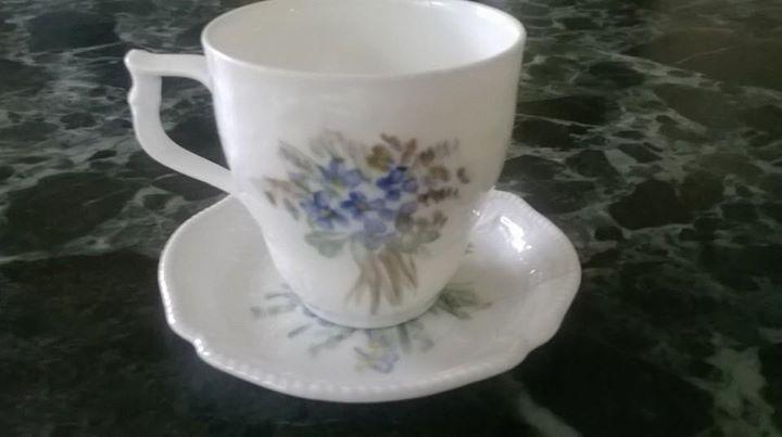 Starožitný porcelánový šálek Rosenthal Sanssouci Fialky