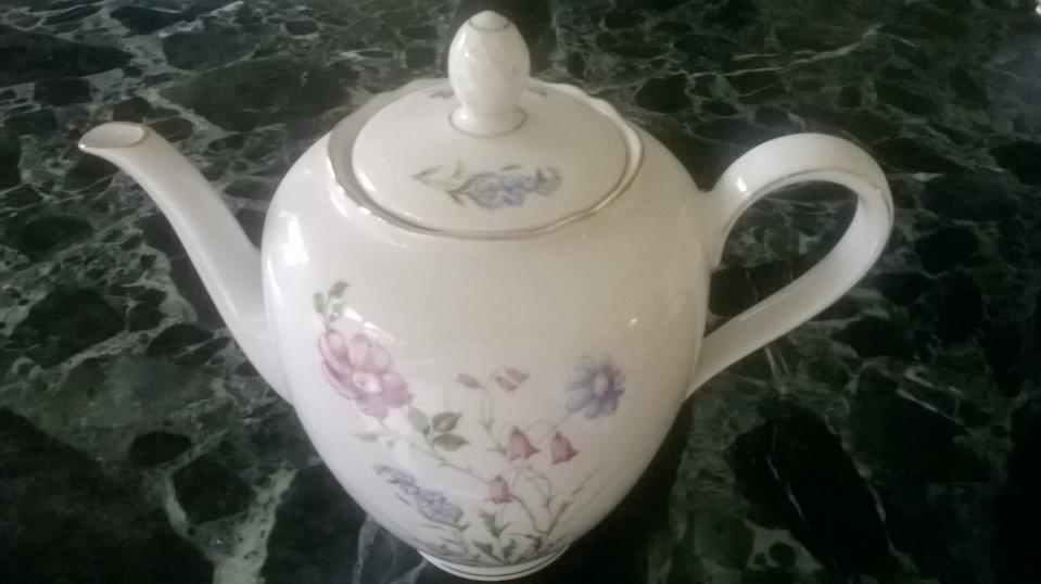 Porcelánová konvice na čaj -Wintering Roslau