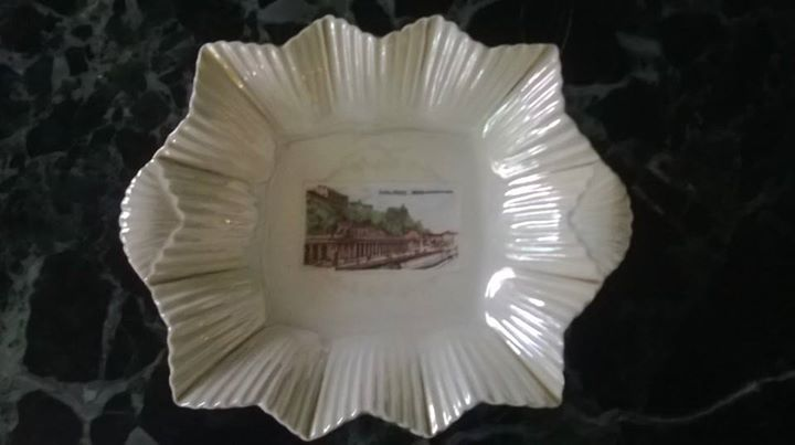 Porcelánová starožitná miska