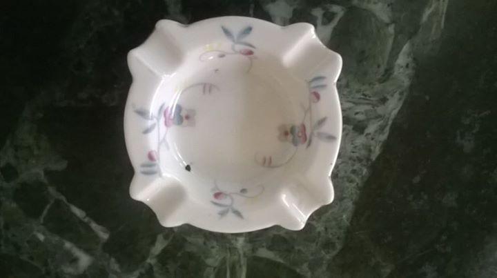 Starožitný porcelánový popelník Stern Brno Květiny