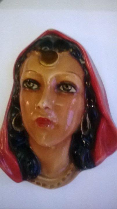 Kermická maska na zeď Žena - Cikánka