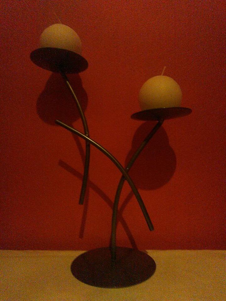 Kovový svícen na 2 svíčky