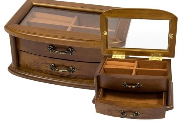 Dřevěná šperkovnice Bettka