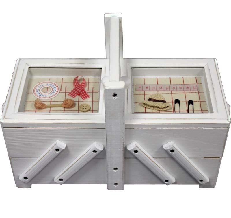 Dřevěná skříňka na šití Okénka