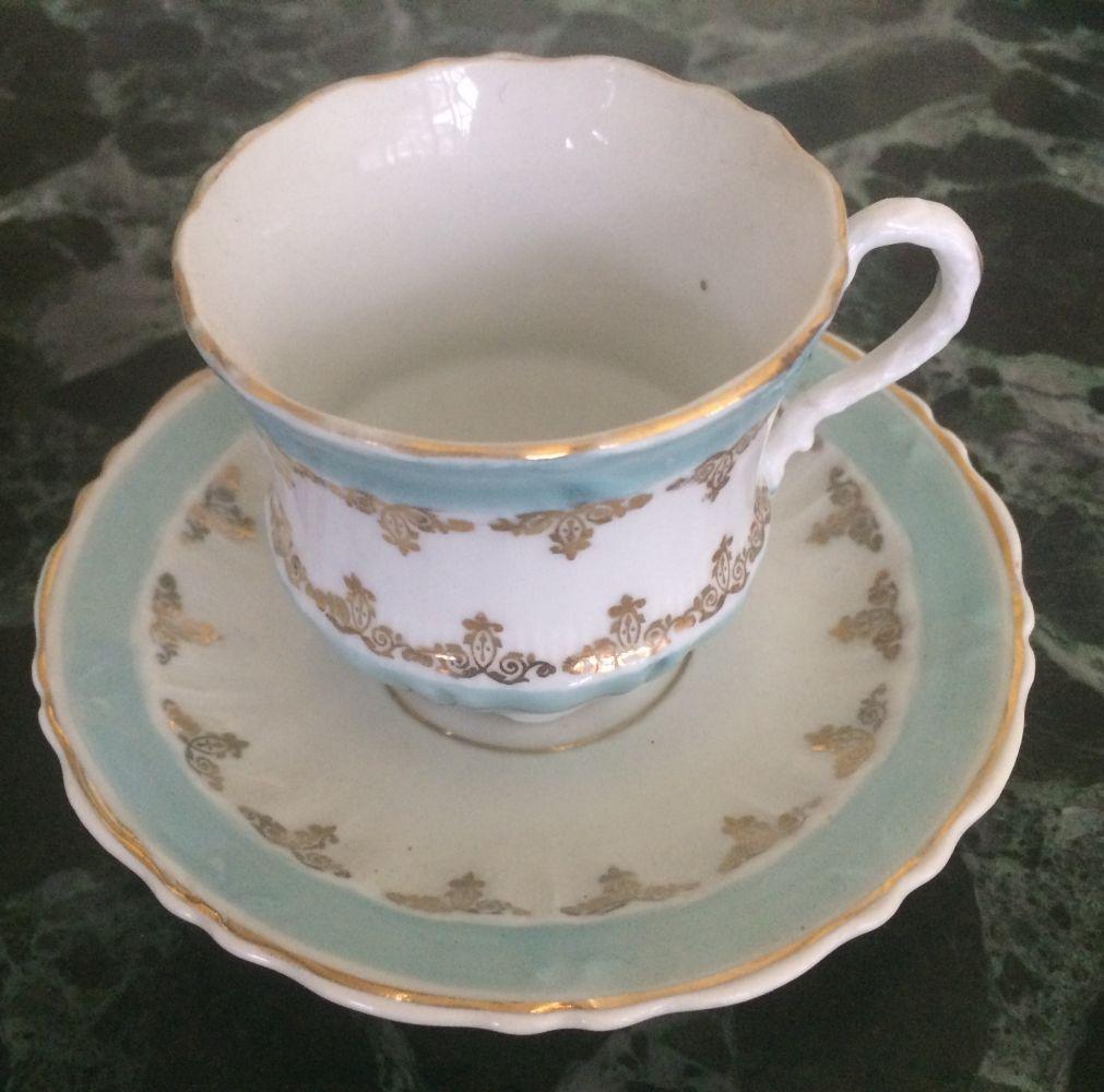 Starožitný porcelánový šálek značený C.T. před rokem 1900
