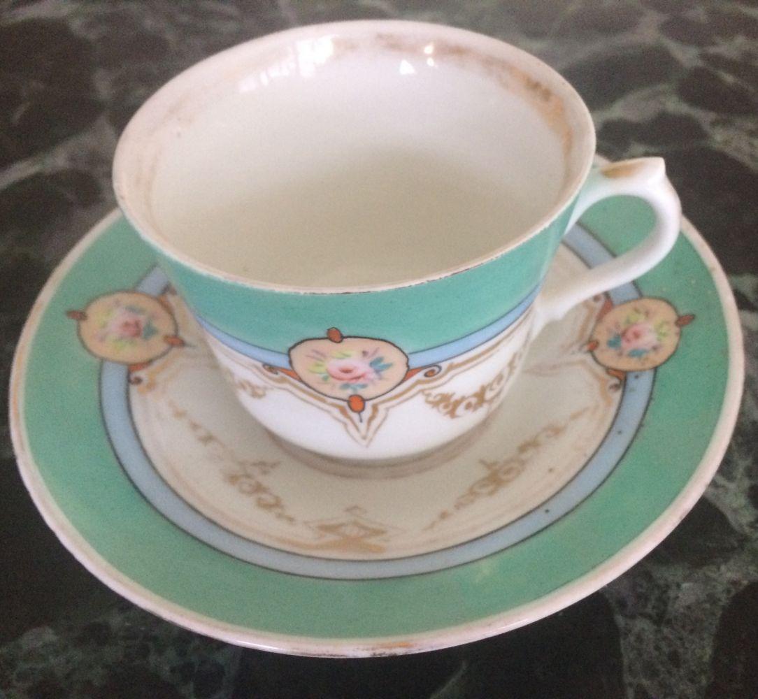 Starožitný porcelánový šálek před rokem 1900 Loket