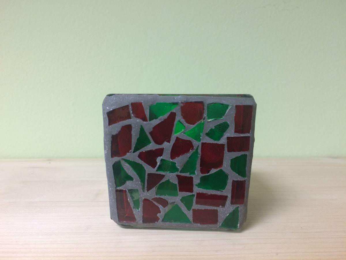 Mozaikový svícen na svíčku Zelenočervený
