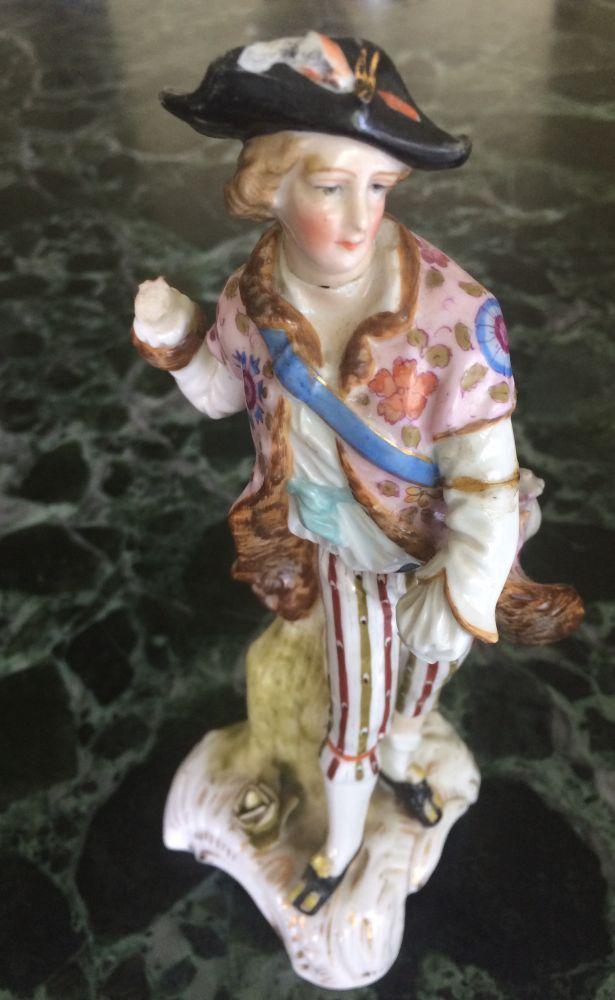 Porcelánová soška Chlapec se signací