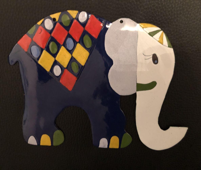 Smaltovaný slon