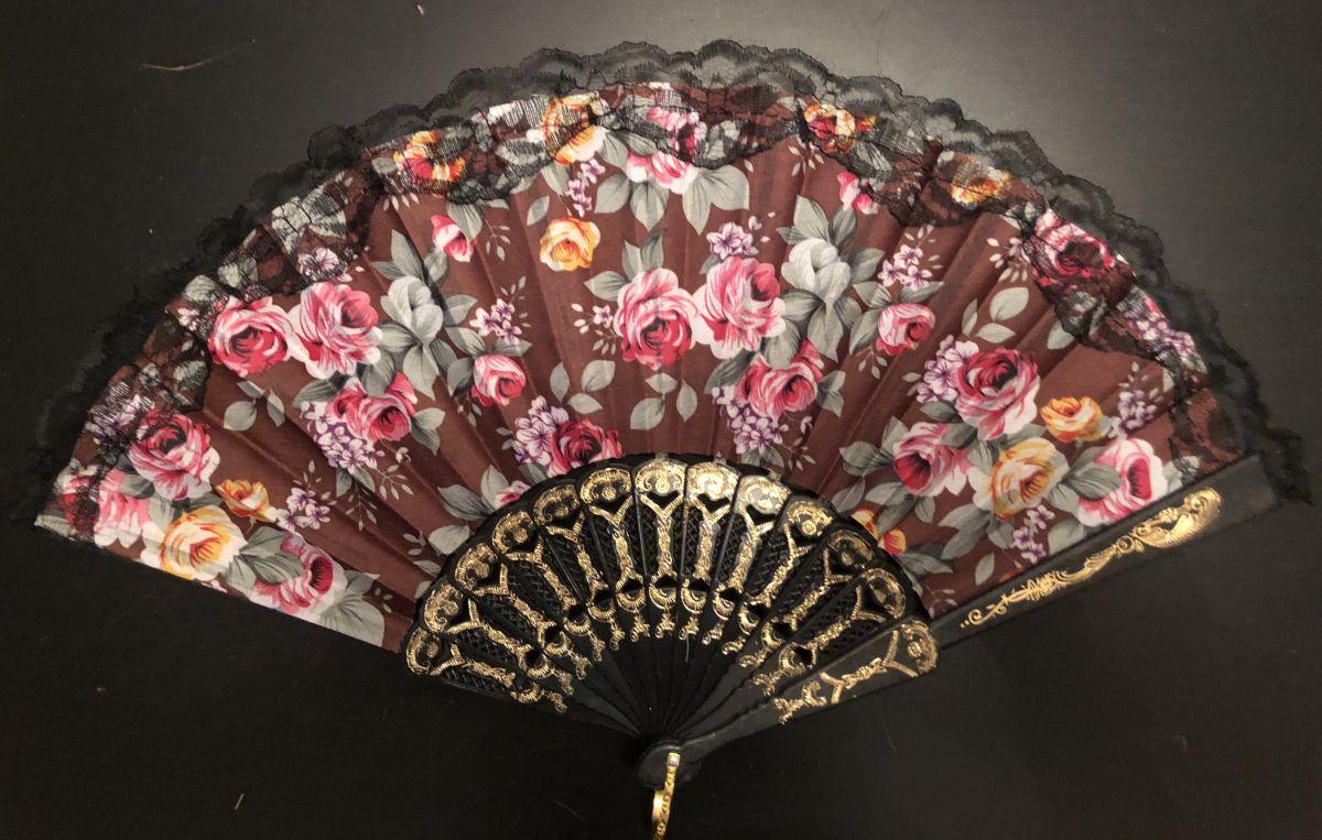 Vějíř látkový - Baroko s růžemi hnědý