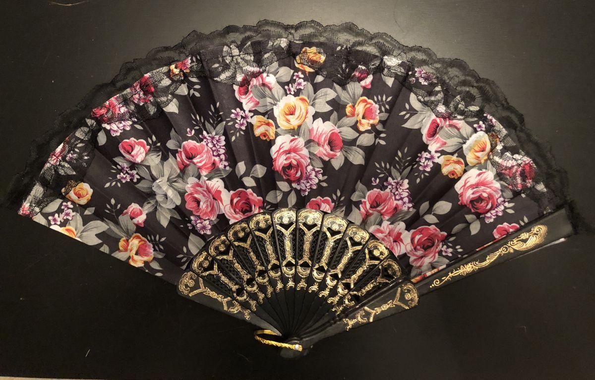 Vějíř látkový - Baroko s růžemi černý