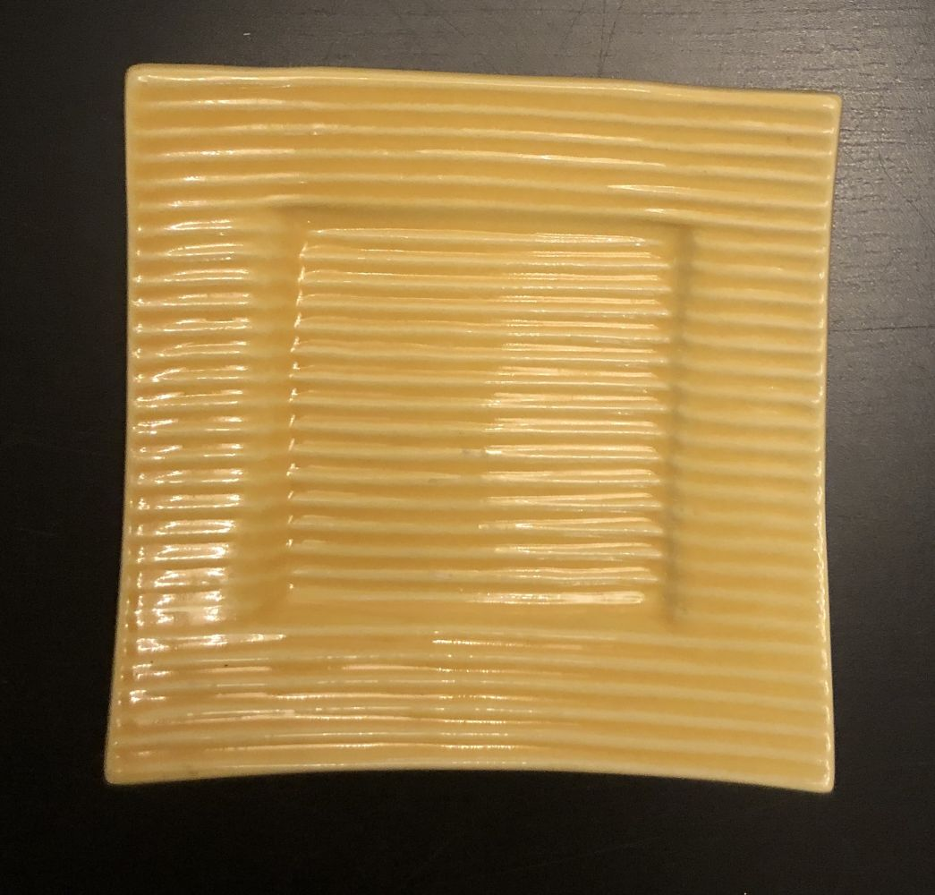 Keramický podtácek - podložka pod svíčku žlutý