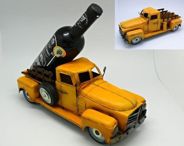 Stojan na víno - láhev Auto s korbou