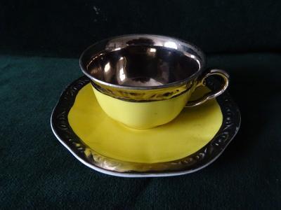 Porcelánový šálek bez podšálku značený Schmieger a Sons