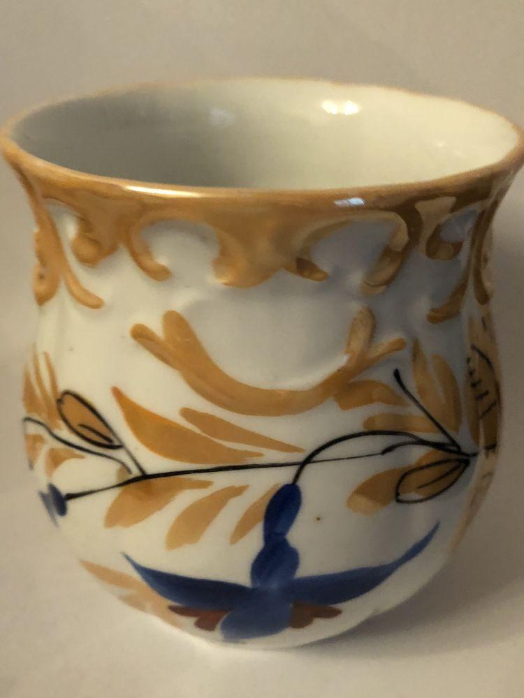 Starožitný keramický hrnek Zlato modrý květ