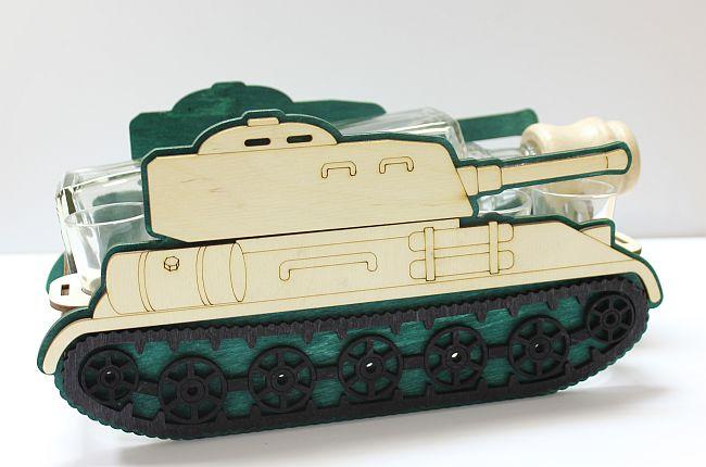 Dřevěný stojan na karafu a skleničky 6ks Tank