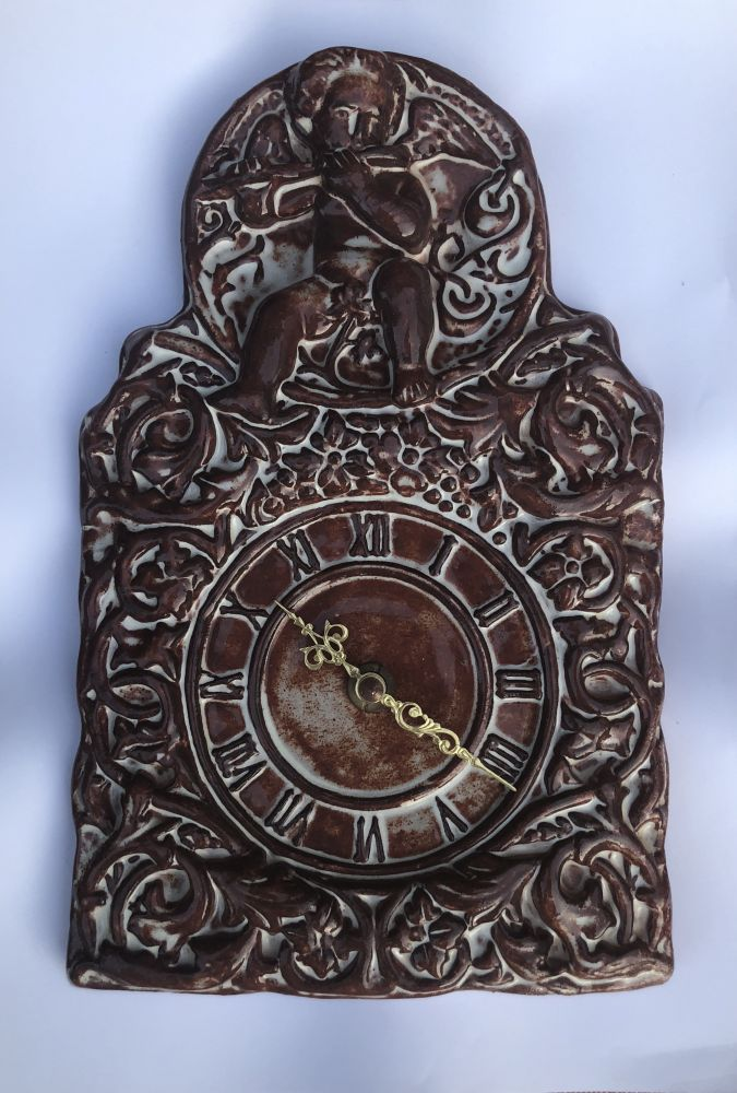 Keramické hodiny na zeď S andílkem