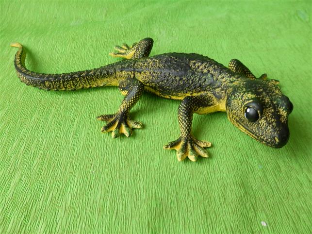 Keramická ještěrka zelená - poškozeno