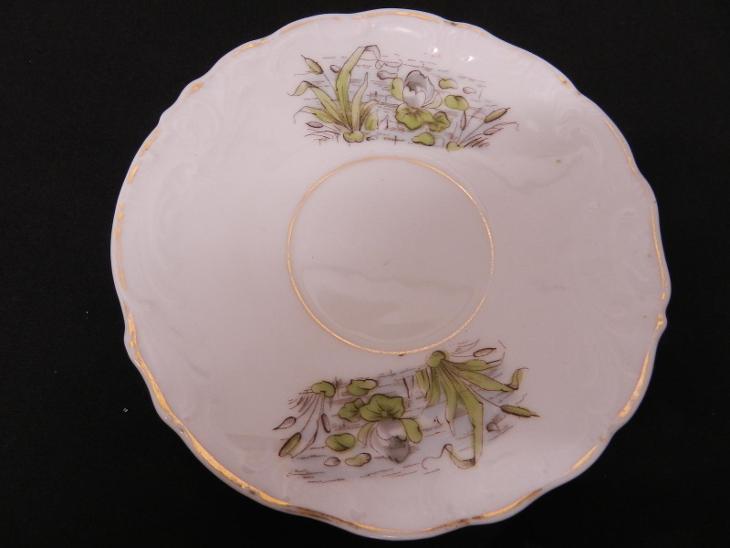 Porcelánový ručně malovaný šálek Květiny Secese