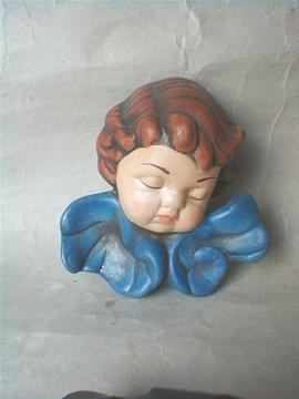 Vánoční dekorace Hlava andělíčka modrá mašle