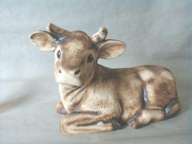 Keramická kráva ležící - telátko