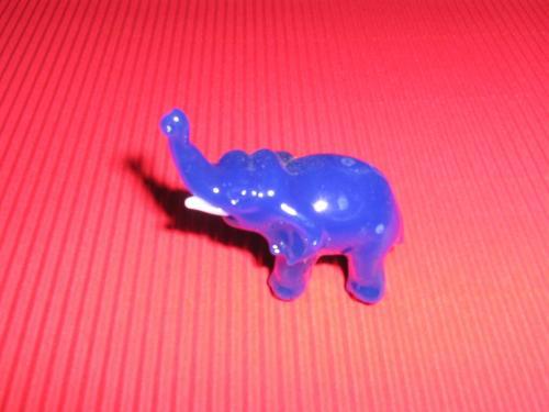 Skleněný slon modrý M